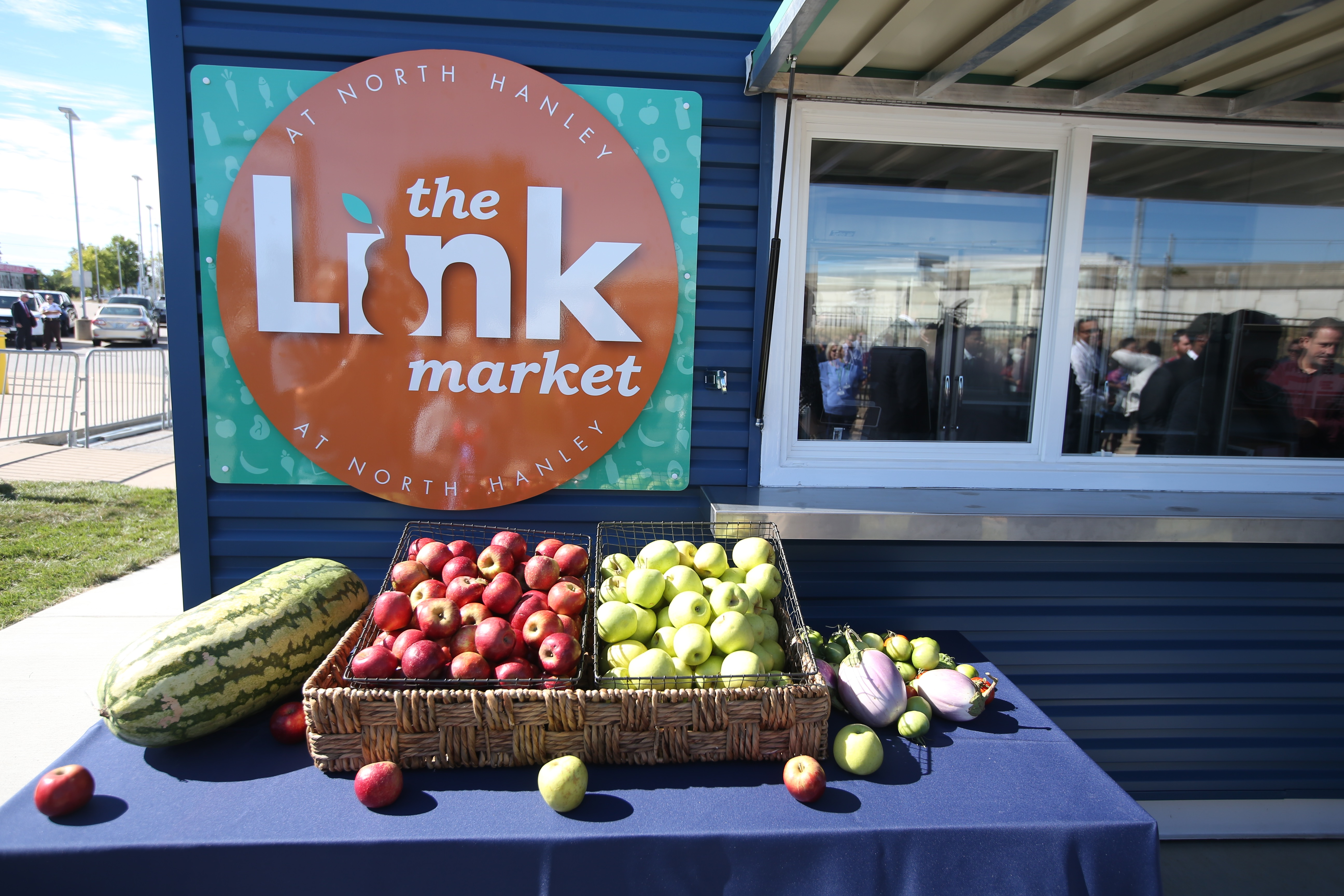 New Fresh Food Kiosks to Bring Healthy Food Options to Metro Transit Riders and North St. Louis County Residents