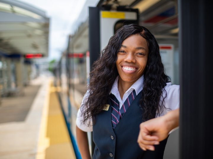 $2,000 Signing Bonuses Offered for Metro Transit Operator, Mechanic and Electrician Positions
